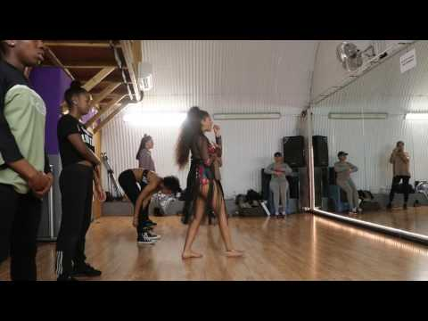 Lola Rae Rehearsing To Rihanna Work Refix and Watch My Ting Go #RawEdit