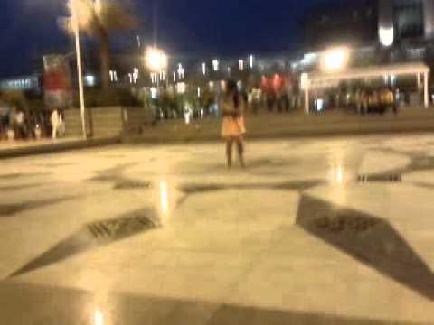 crazy girl dancing in select citywalk