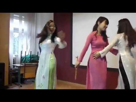 """Beautiful Vietnam"" dancing with Ao Dai in Poland"