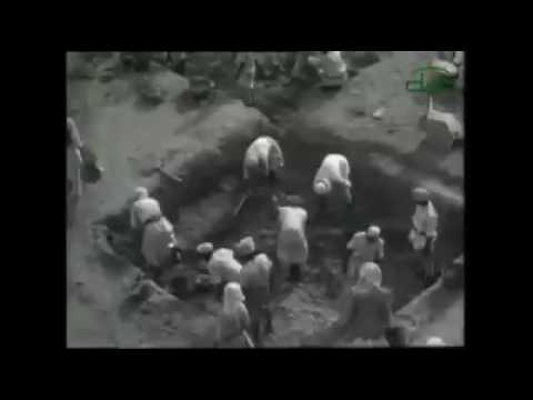 Old footage of construction work of Masjid an Nabawi from over 50 years ago