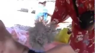 Коктебельский подъем -  массаж веником, бабка(Подходим на прием, коктебель, массаж, веник, дай бог между ног, похлопаю на видео, молодец кирпичный конец,..., 2015-07-22T18:06:13.000Z)