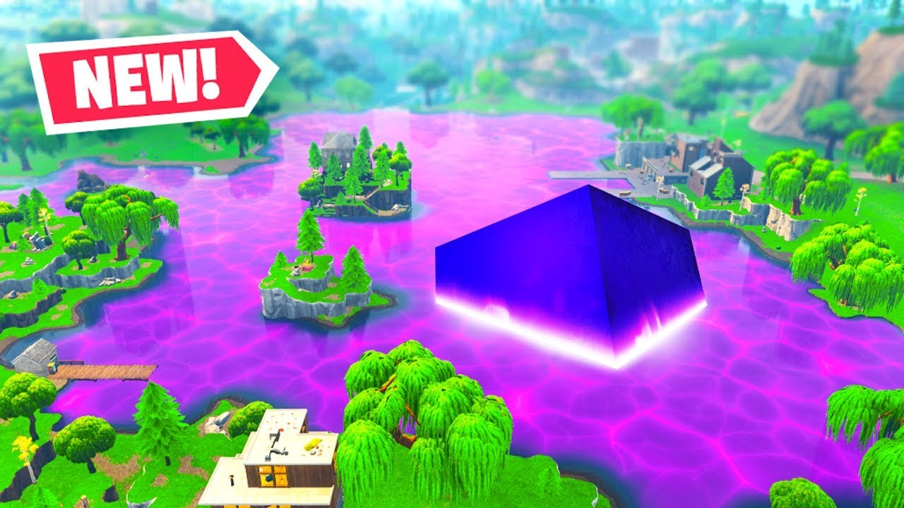 The CUBE MELTED into LOOT LAKE! - Fortnite Battle Royale