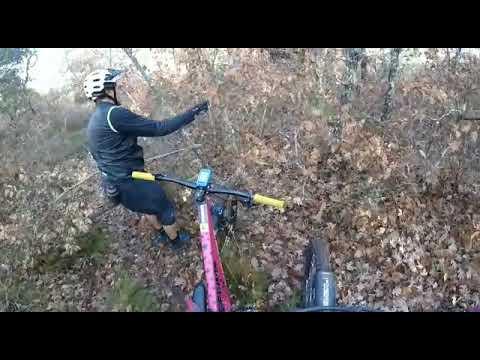Trampas para ciclistas en una senda de Santa Cruz De Montes