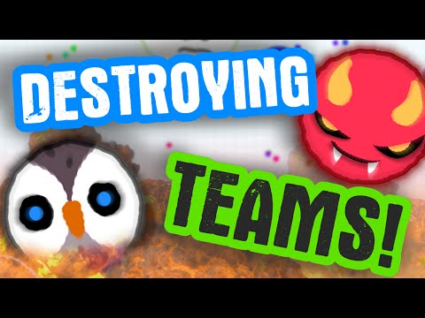 DESTROYING TEAMS IN AGARIO // Agar.io