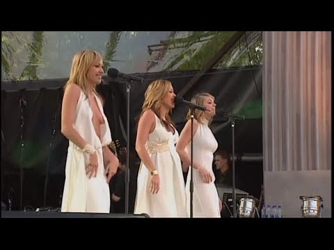 Atomic Kitten - Dancing in the street - Live Party at the Pa