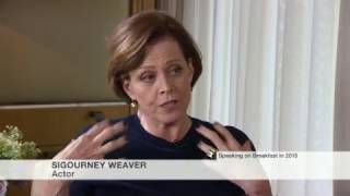 Sigourney Weaver Remembers John Hurt's Famous Alien Scene