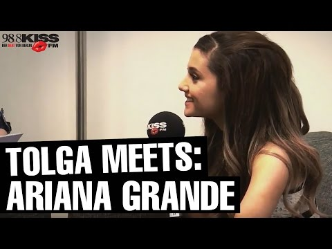 "Interview ARIANA GRANDE: ""I never get to see my dad..."""