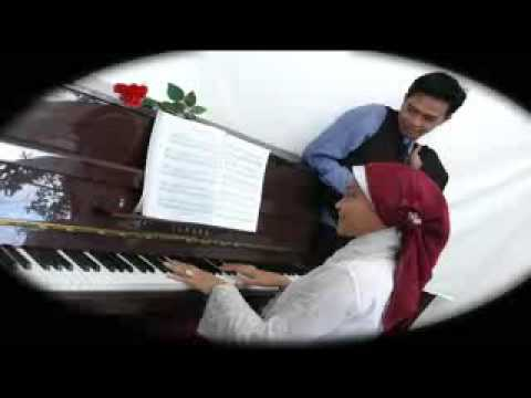 Video Pernikahan Hanum Rangga