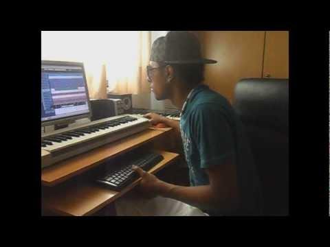 AG PRO in the Studio [2012] Making beat Kizomba Style #ZOUK LOVE