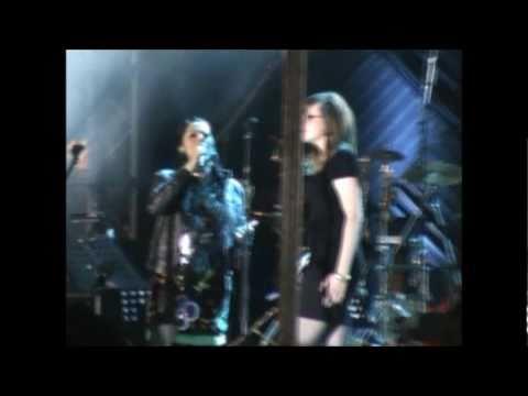 Lila Downs y Denisse Lo Blondo - Deja que salga la luna