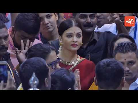 Aishwarya Rai Bachchan at Lalbaugcha Raja 2017 in Red Saree