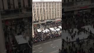Навальныйды қолдап, Мәскеу Путинге қарсы көтерілді!