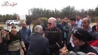بالفيديو.. انهيار حسين فهمي أثناء تشييع جُثمان