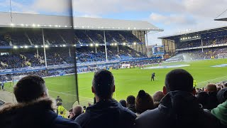 Wolves fans away at Everton