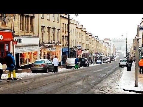 Snow: residents ski down Park Street, Bristol