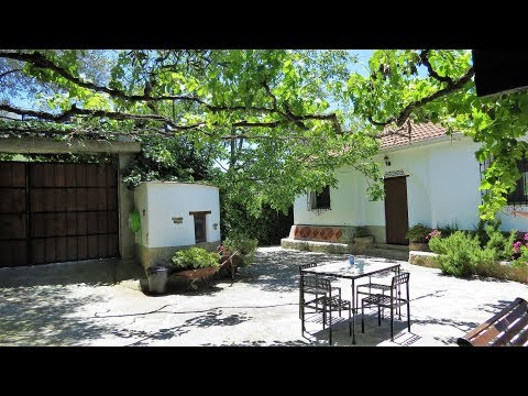 Lanjaron. REF0163. Traditional style cortijo split into two separate units.