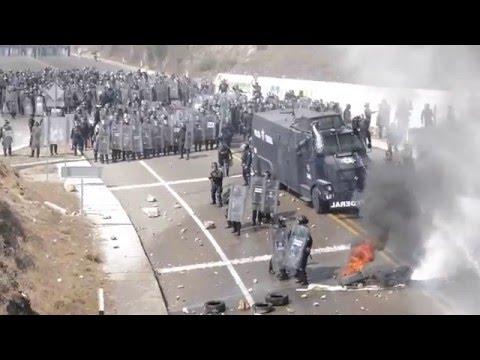 Policia Federal y CNTE, SCLC, Chiapas. Abril 15, 2016