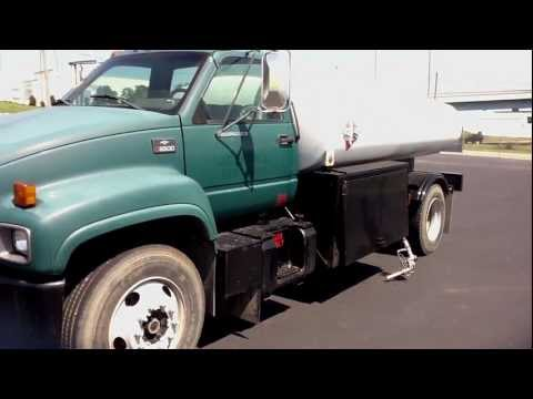 1999 Chevrolet C6500 with 2000X1 Stainless Tank Stock # 995217