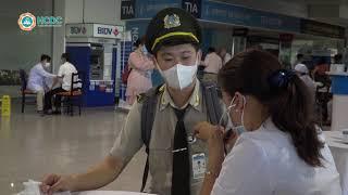 [Tin HCDC] 2000 nhân viên làm việc tại sân bay quốc tế Tân Sơn Nhất tiêm vắc xin phòng COVID 19