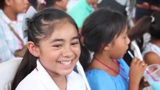 Gobernadora entrega apoyos de becas para estudiantes indígenas y escrituras en Etchojoa