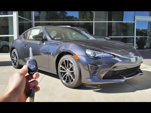 2017 Toyota 86: Start Up, Exhaust, Walkaround and Review