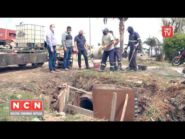 CINCO TV - Julio Zamora supervisó tareas de pintura en escuelas y la construcción de desagües