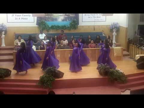 Teen Praise Dance to Spirit Break Out by William McDowell