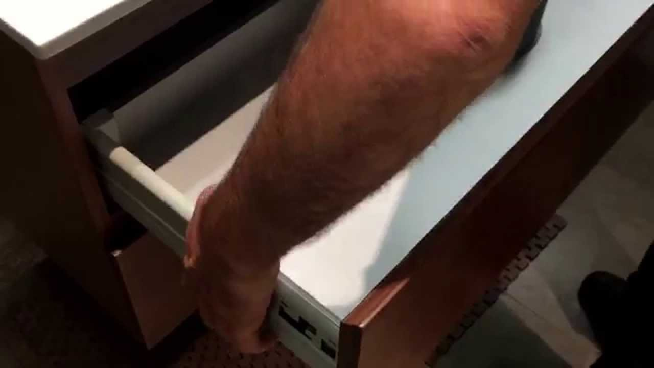 retirer tiroir meuble salle de bain