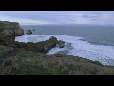 B und K am Tunnel Beach/Dunedin/South Island/NZ