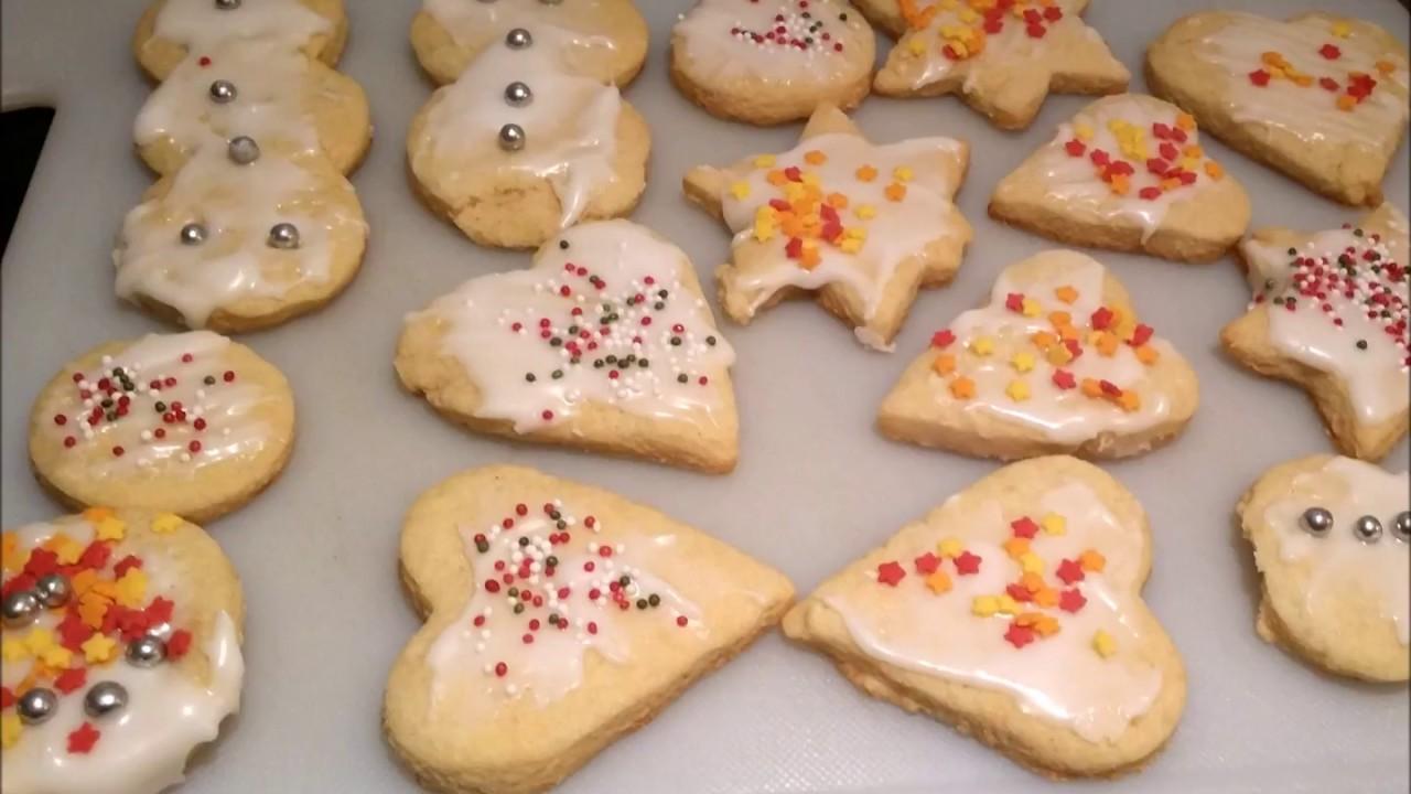 Plätzchen Verzieren Weihnachten.Last Minute Plätzchen Zum Ausstechen Und Verzieren Weihnachtskekse Für Kinder