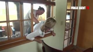 Se atora en la ventana y la toquetean Jodi West cougar Pornostar, milf, nopor