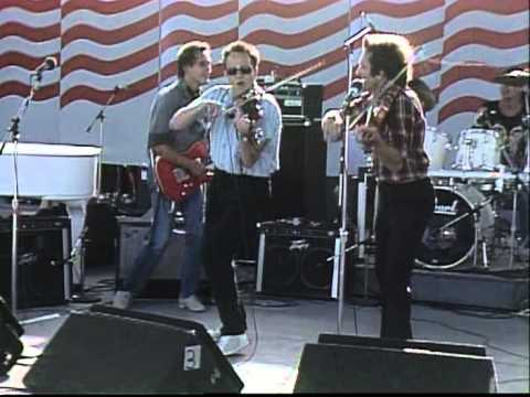 Doug Kershaw and Roger Miller - The Fiddle Song (Live at Farm Aid 1986)