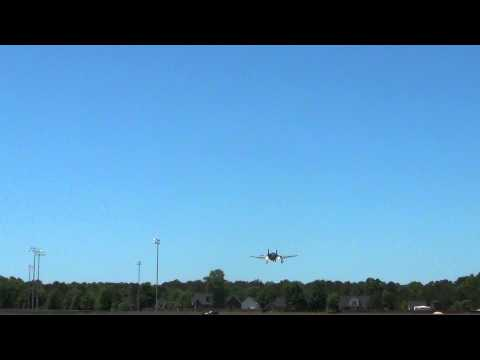 FMS P51 DALLAS DARLING Crosswind landing