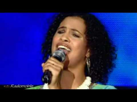 Youssou N'Dour & Neneh Cherry (Live) - 7 seconds ...