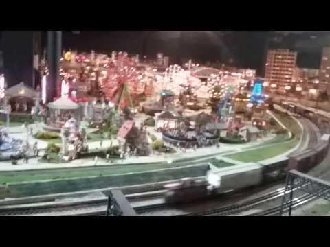 "Merchants  Square ""8th"" Wonder of the World Train Layout"