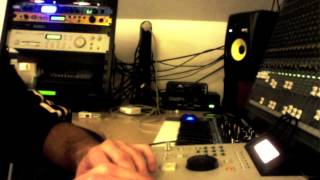 Deep House AKAI MPC 2000 XL Bass Station II S2000 TX81Z KORG m1