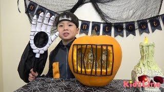 今年は初めてハロウィンのかぼちゃランタンを作りました♫意外と簡単にく...