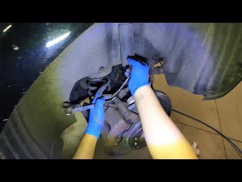 Freni ant. e post. Audi A4 B8 come arretrare le pinze con freno a mano elettrico