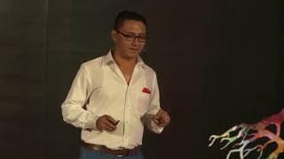 Bienvenidos a mi VIHda | Manuel Centella | TEDxCancún