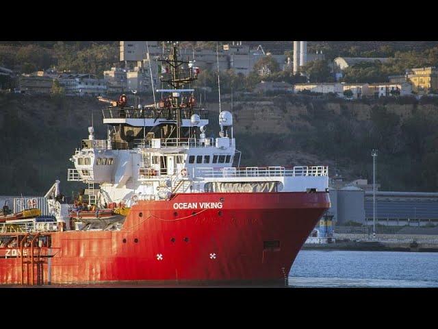 <span class='as_h2'><a href='https://webtv.eklogika.gr/apivivastikan-apo-to-ocean-viking' target='_blank' title='Απιβιβάστηκαν από το Ocean Viking'>Απιβιβάστηκαν από το Ocean Viking</a></span>