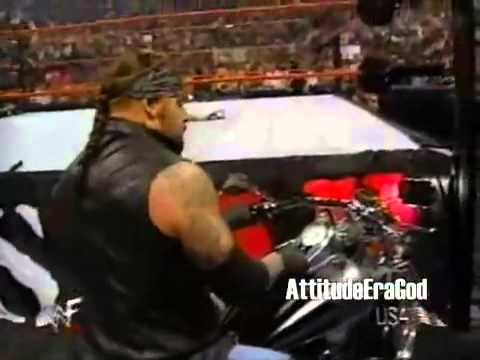 Undertaker Returns and Throws Big Show Off the Stage (Raw 2000)