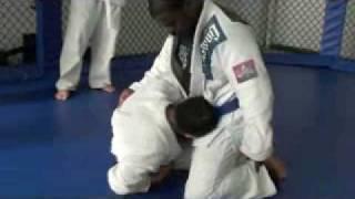 Sweep from half guard – H2O BJJ Black Belt Mike Lee