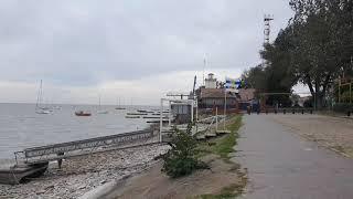 Таганрог. Пушкинская набережная. Таганрогский залив обмелил восточный ветер.