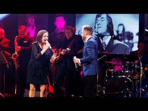 'Islands in the Stream' – Derek Ryan and Sandy Kelly | The Late Late Show | RTÉ One