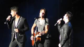 "Keith Urban - ""Tonight I Wanna Cry"" (w/ Dan + Shay) Live Summerfest WI 2015"