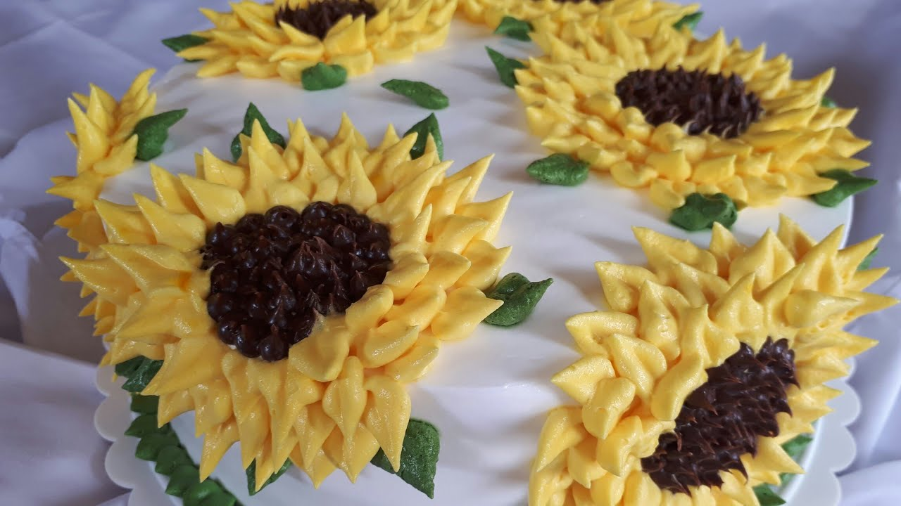 How to make a Sunflower Cake with whipped cream  (Tutorial) - YouTube