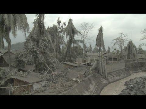 Merapi Volcano Eruption Disaster, Indonesia 7th-11th Nov. 2010 HD Screener Part 1