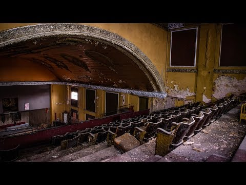 Dangerous Abandoned Theatre Closed For 50 Years!  - Urbex Lost Places UK