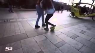 Hermoza chica haciendo Freestyle, Caños Y Jugadas ❤