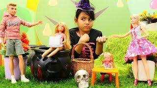 Cadı Barbie'nin çocuklarının ödevini yapıyor! Sihir yapma